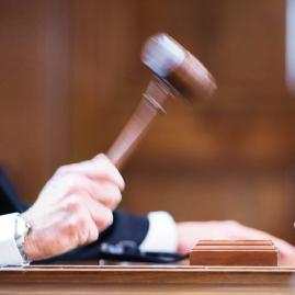 Richterspruch: Der Hammer fällt - Symbolbild