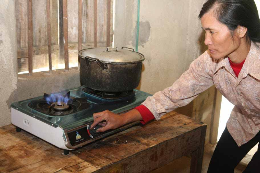 Das Biogas, dient den vietnamesischen Familien zur Wasserreinigung und zum Kochen oder für Gaslampen.