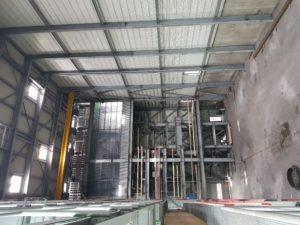 Der Kohlekessel ist bereits ausgebaut, bald ersetzen ihn in dieser Halle im HKW Kaiserslautern vier Gasturbinen.